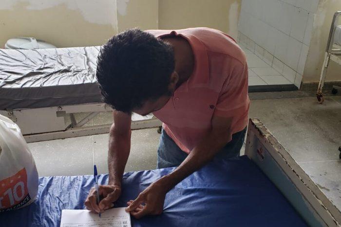 Homem que matou ex-esposa a facadas é preso e levado para Cadeia Pública de Serra Branca