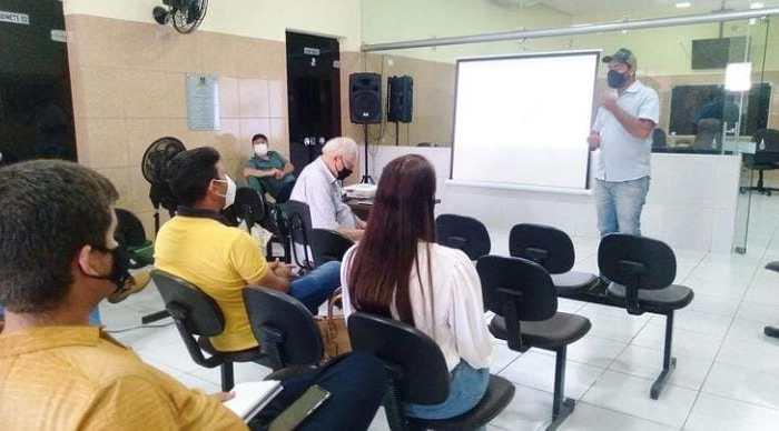 Prefeito de Livramento se reúne com demais gestores do Cariri e discute sobre a implantação do Abatedouro na região