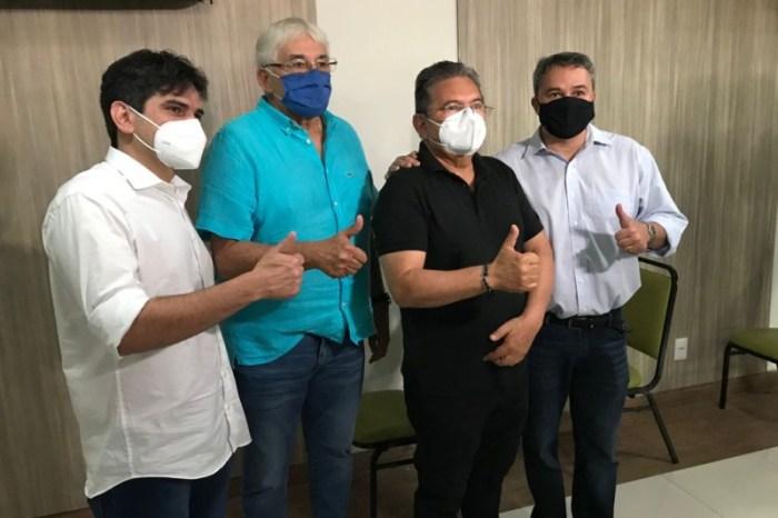 Adriano Galdino anuncia apoio à pré-candidatura de Efraim Filho ao Senado Federal