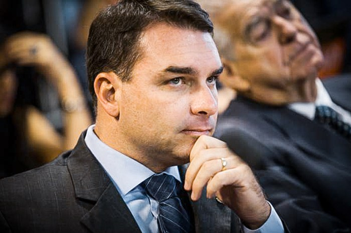 TJ-RJ autoriza prosseguimento de ação sobre suposta 'rachadinha' de Flávio