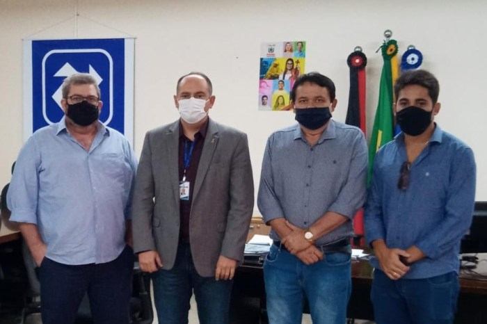 Lideranças se reúnem com superintendente do Detran e solicitam Ciretran para Serra Branca