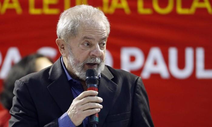 Lula afirma que Bolsonaro não tem força para dar golpe