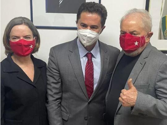 Diálogo de Veneziano com Lula foi na sede do PT em São Paulo e durou mais de 2 horas