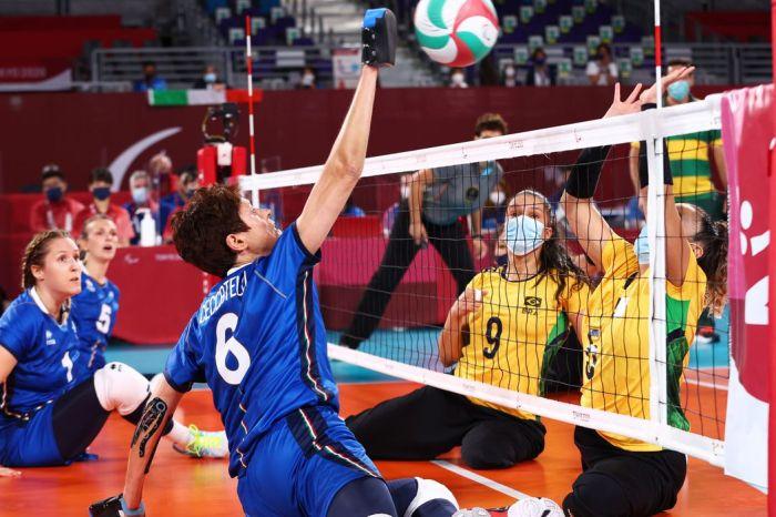 Seleção feminina chega à semifinal do vôlei sentado em Tóquio