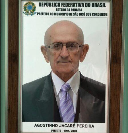 Ex-prefeito de São José dos Cordeiros Geni Jacaré é sepultado e cidade está de luto