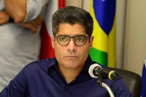 ACM diz que fusão DEM-PSL terá candidato, mas apoio a Bolsonaro será livre