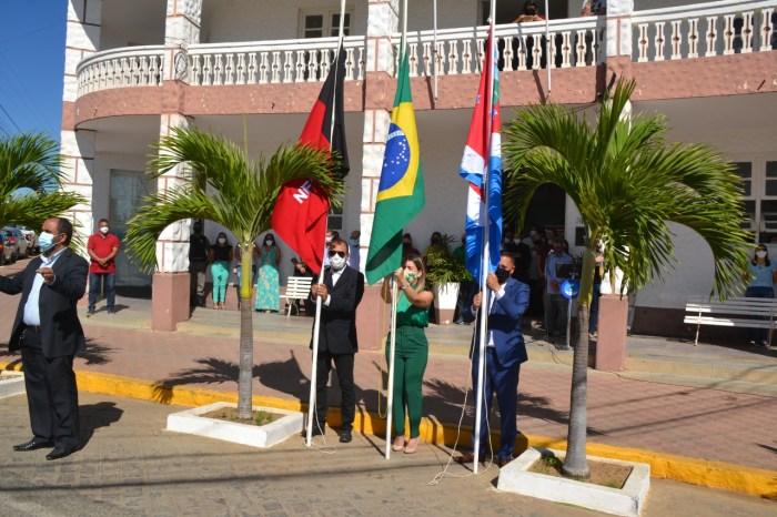 Hasteamento das Bandeiras marca comemoração do dia 7 de setembro em Monteiro