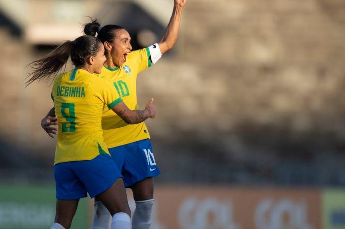Com golaço de Marta, Brasil derrota a Argentina no segundo jogo amistoso, em João Pessoa