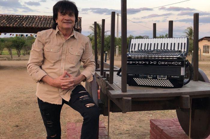 """Em visita a Monteiro, Novinho da Paraíba grava clipe com a música """"Humilde Vaqueiro"""""""
