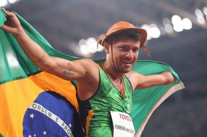 Paraibano Petrúcio Ferreira é bronze nos 400m rasos na Paralimpíada de Tóquio