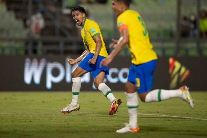 Brasil vence a Venezuela de virada em partida fraca tecnicamente