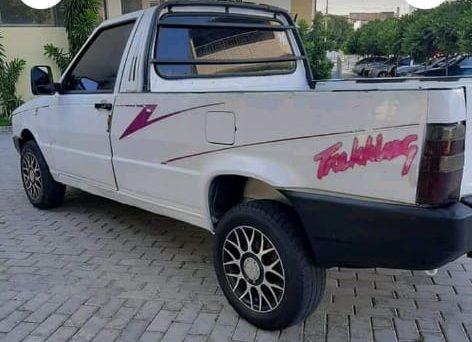 Bandidos furtam veículo que estava estacionado em frente de oficina em cidade do Cariri
