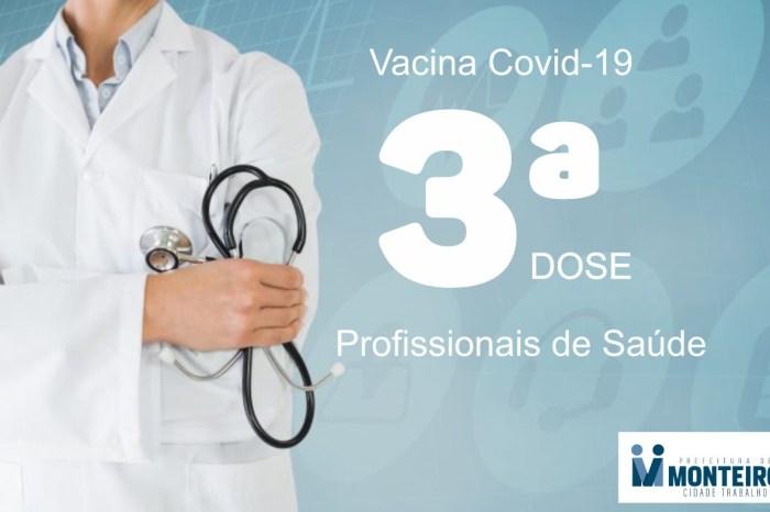 Vacina Covid: Profissionais de saúde de Monteiro recebem dose de reforço