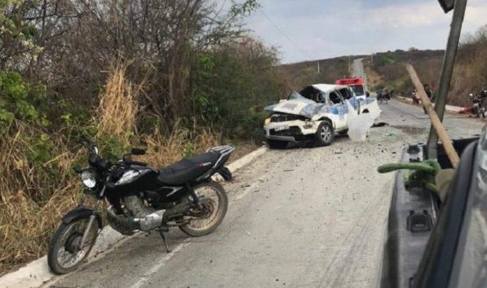 Duas pessoas morrem em acidente envolvendo carro do DER no Sertão