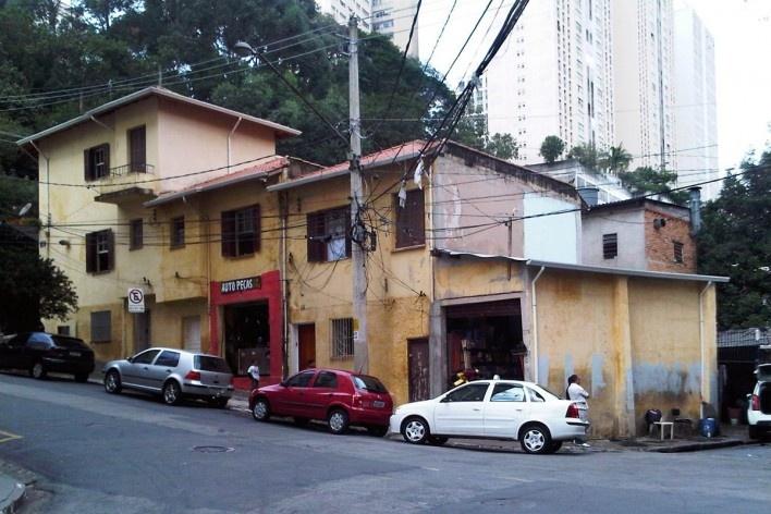Casas e pontos comerciais, Grotão da Bela Vista<br />Foto Abilio Guerra