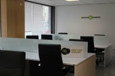 L'espai de coworking disposa de diversos llocs de treball // David Guerrero