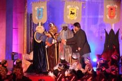 L'alcalde i el tinent d'alcalde van entregar la clau màgica als reis // Jordi Julià