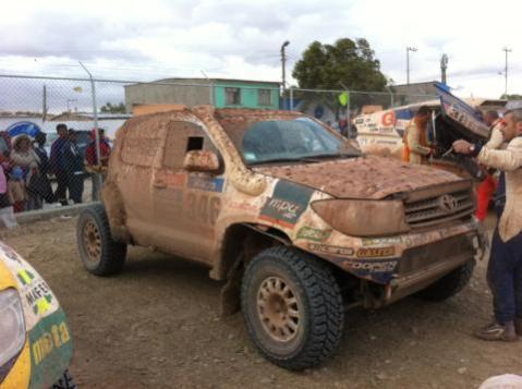 El cotxe de Xavi Foj, ple de fang, al final de l'etapa // Foj Motorsport