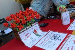 Roses d'origami de l'AMPA de l'escola El Palau // Jose Polo