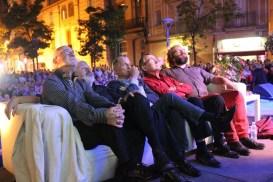 Els pregoners estaven asseguts en un sofà d'esquena al públic // Jose Polo