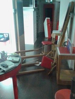 Els mobles han quedat per terra // Manuel Julià