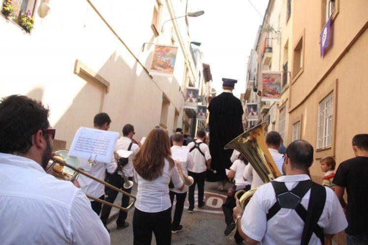 gegants vells molins de rei 2017 22 carrer sant miquel inxa brass band