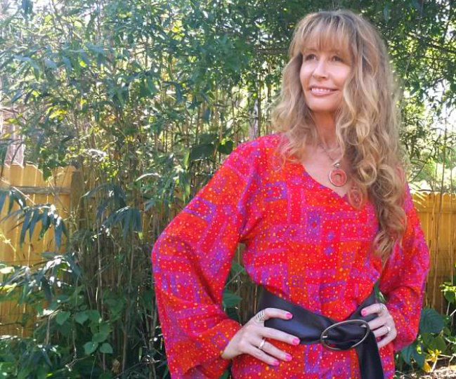 Silk tops and stoles for menopausal women