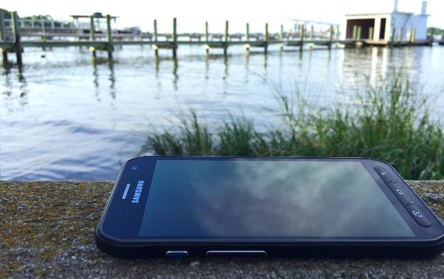 Weekend water adventures with our smartphone