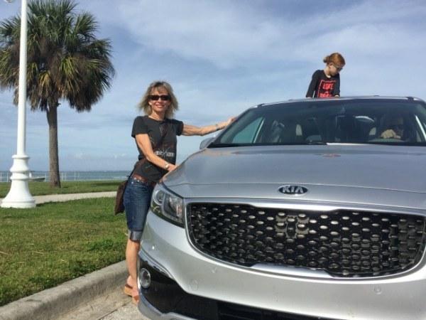 Driving the Kia Sedona around Sarasota