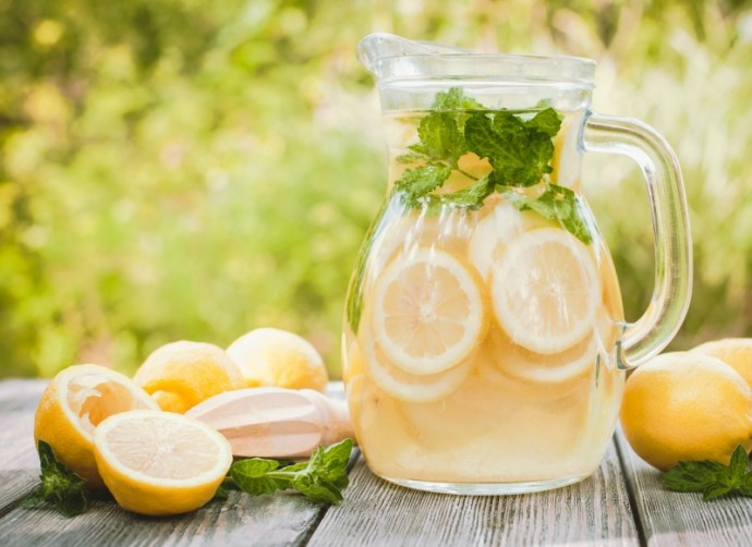 6 Ways to cool down your hot flashes in summer