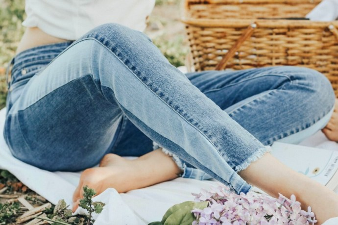 8 Brands of jeans for women of all ages, shapes and sizes