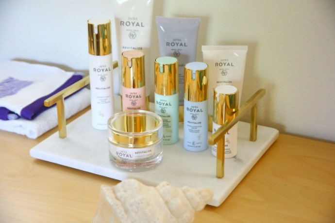 Getting my skin-glow on with royal jelly