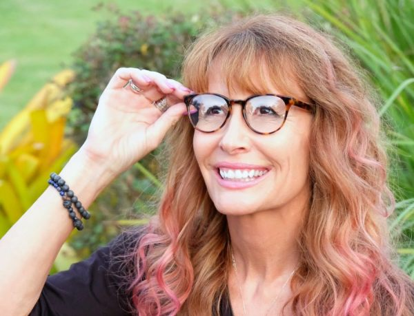 Adapting to bifocal or trifocal progressive lenses doesn´t have to be a long and arduous process. It´s often a question of shifting your mindset.