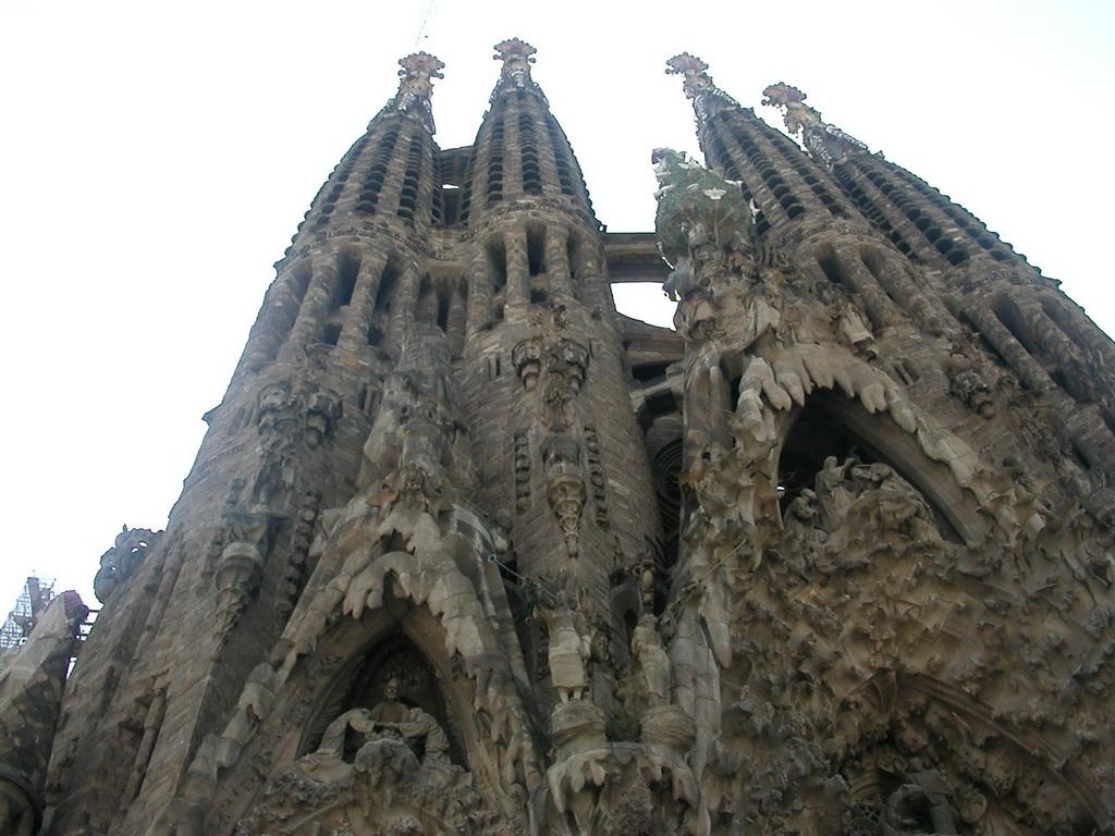 gaudi  un piccolo tributo al grande architetto spagnolo