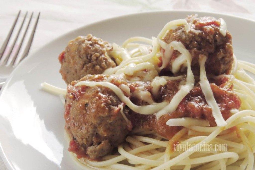 Espagueti con Albóndigas listos para comer