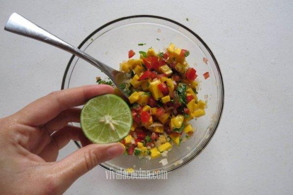 Añadir el Limon al mango picante