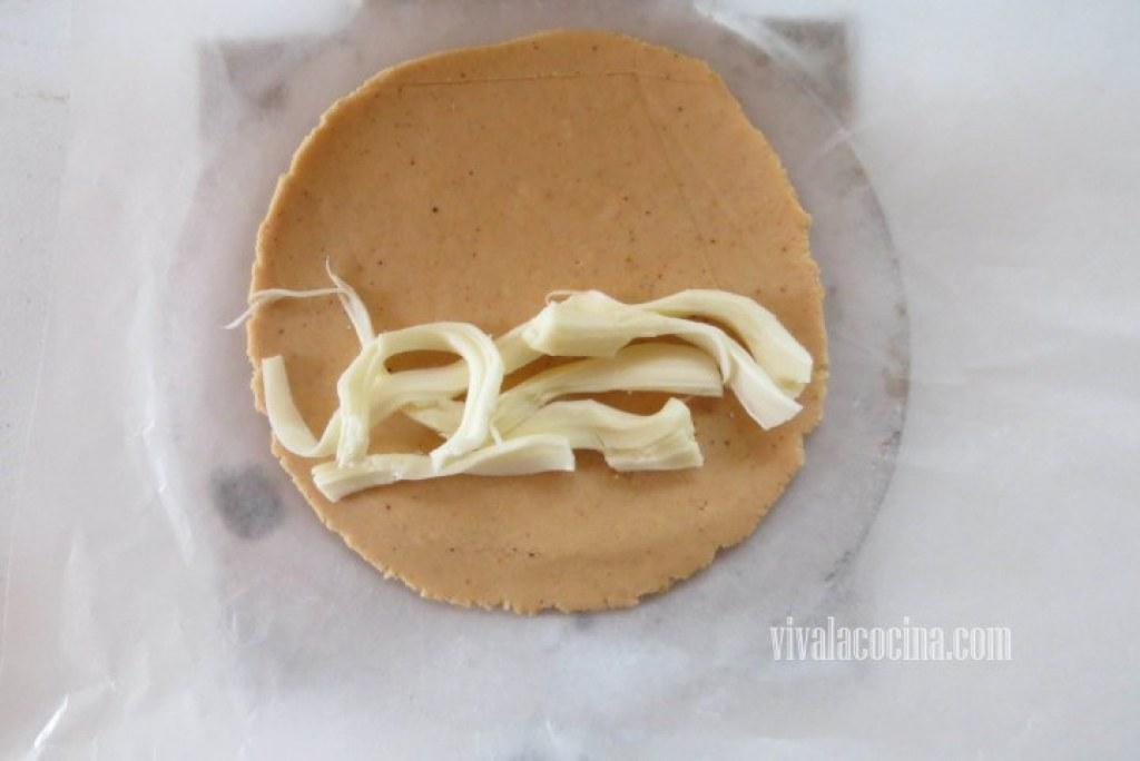 Colocar el Queso en la quesadilla