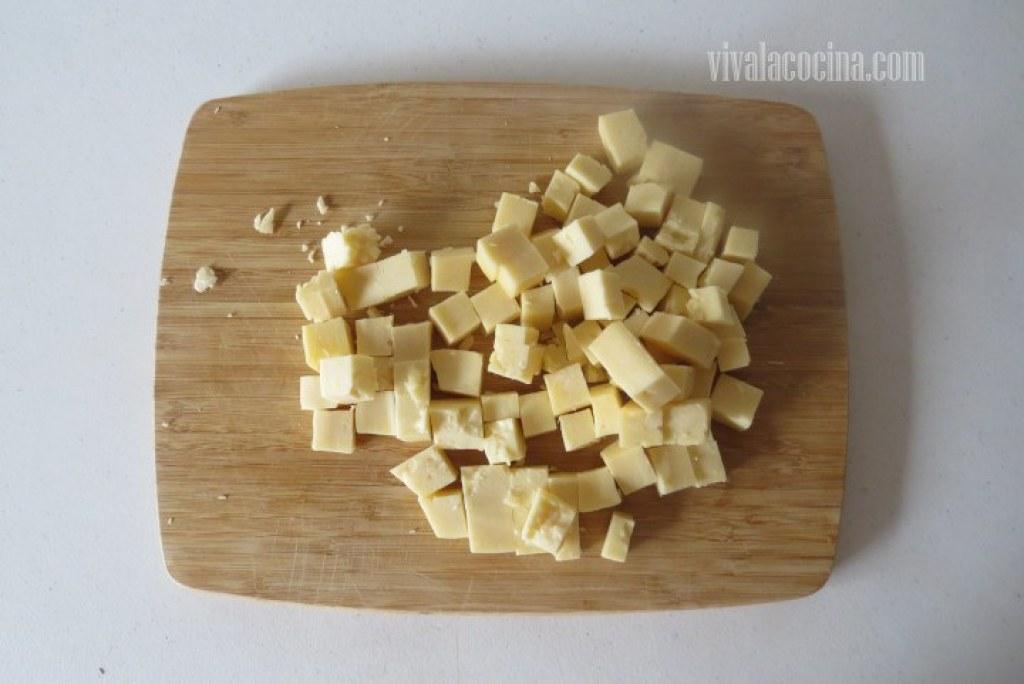 Cortar el queso chihuahua