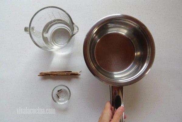 Preparar la Infusión de canela, clavo y agua