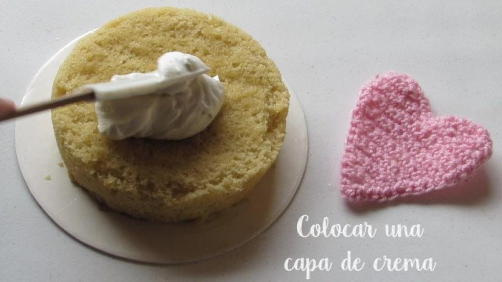 Cómo extender la crema pastelera en el pastel