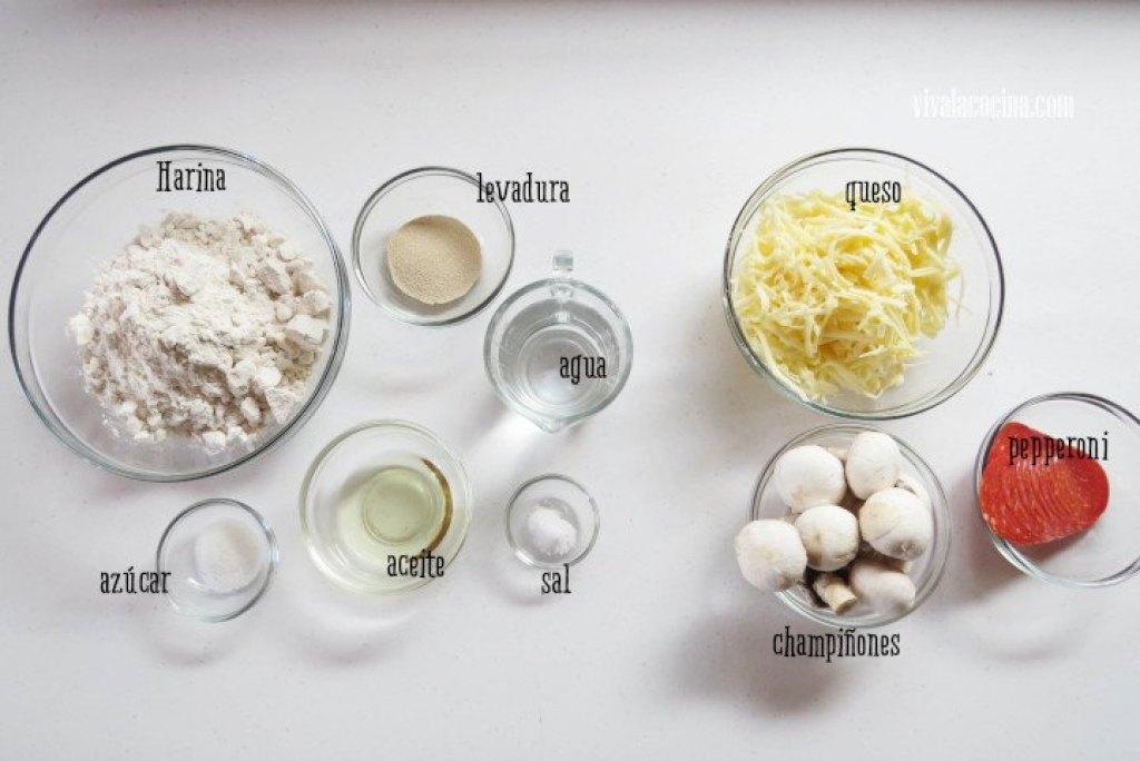 Ingredientes para hacer la pizza de pepperoni