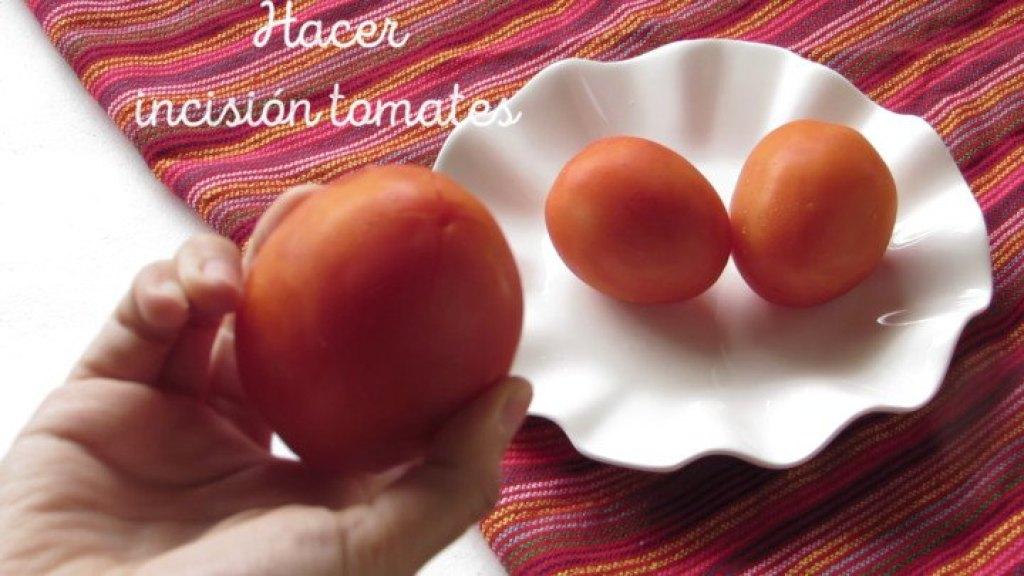 Cómo hacer incisión en tomates