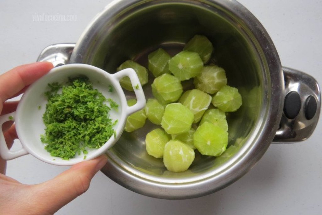 Añadir Ralladura de limón para la Mermelada de Limón Verde casera