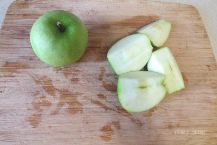 Picar manzana para el Agua de Frutas