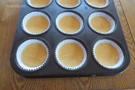 Rellenar a la Mitad para los Cupcakes de Naranja