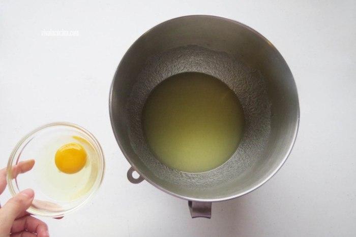 Añadir el huevo