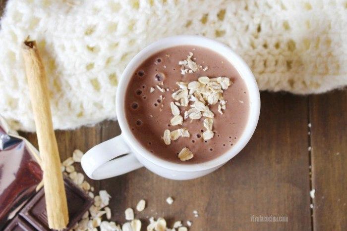 Cómo preparar atole de avena con chocolate