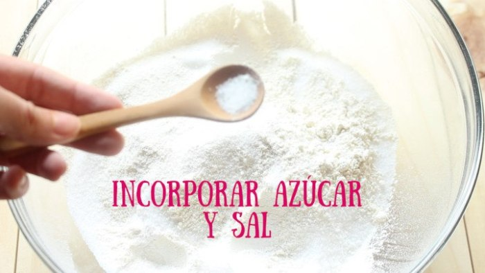azúcar y sal para preparar donas horneadas