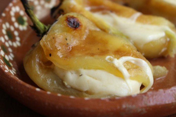 receta fácil de chiles rellenos de queso