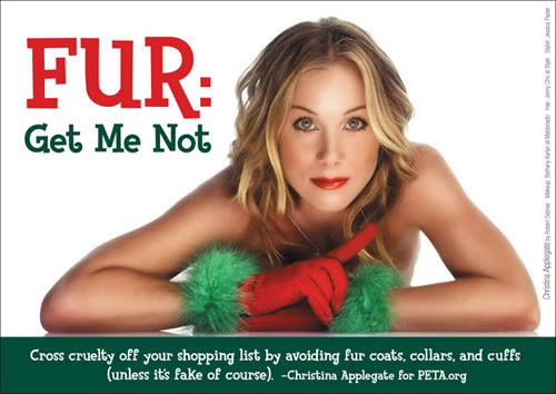 Christina Applegate en un cartel que reza ´´No me regales pieles``